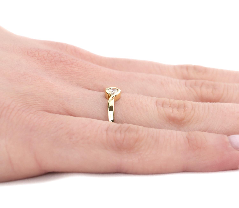 Pierścionek Zaręczynowy Full Moon 015 Ct Z Brylantem żółte Złoto